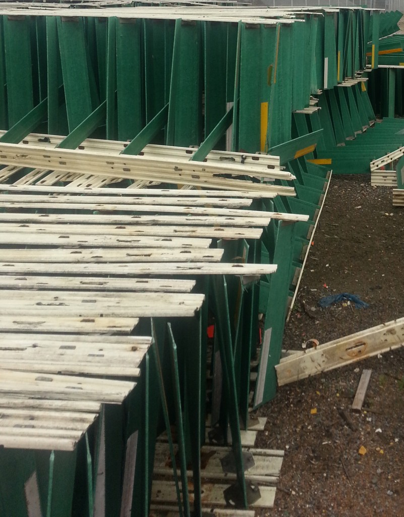NEEDED: Used Glare Screen for installation on modular concrete barrier.