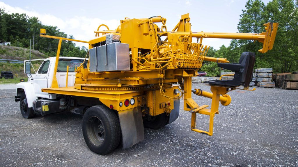 Sterling Remote Drive Post Driver W/ Auger